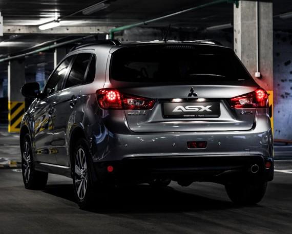 задние фонари Mitsubishi ASX 2015 года