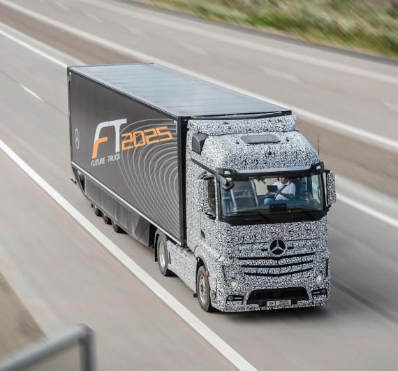 беспилотный Mercedes Future Truck 2025 года