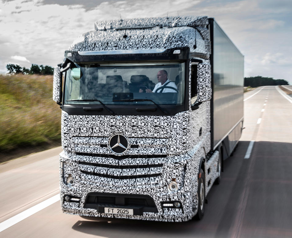 фото Mercedes Future Truck 2025 года