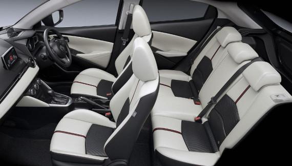 интерьер Mazda Demio 2015