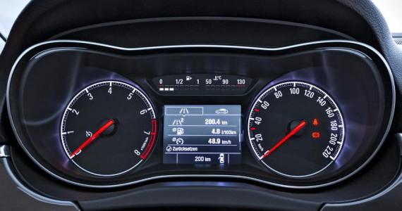 панель приборов Opel Corsa 2015