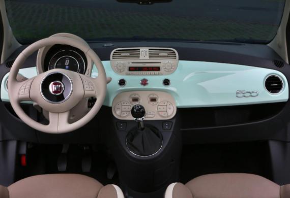 салон Fiat 500 2015 года