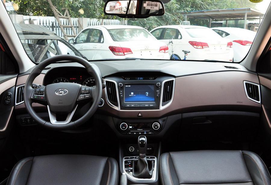 салон Hyundai ix25 2015