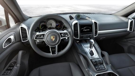 салон Porsche Cayenne 2015 года