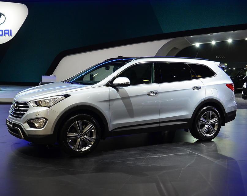 Hyundai Santa Fe 2015 сбоку