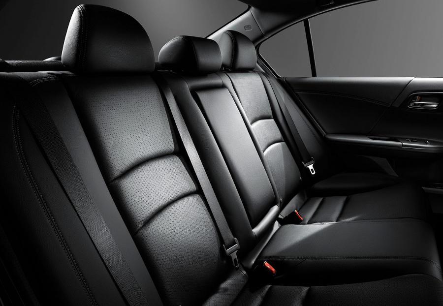 интерьер Хонда Аккорд 2015