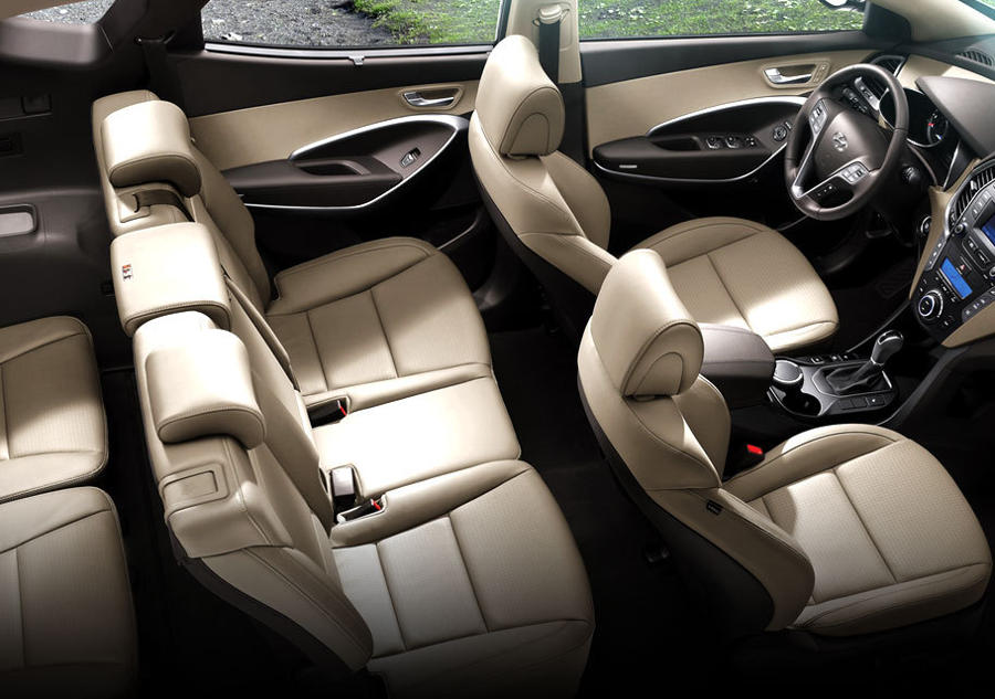 интерьер Hyundai Santa Fe 2015