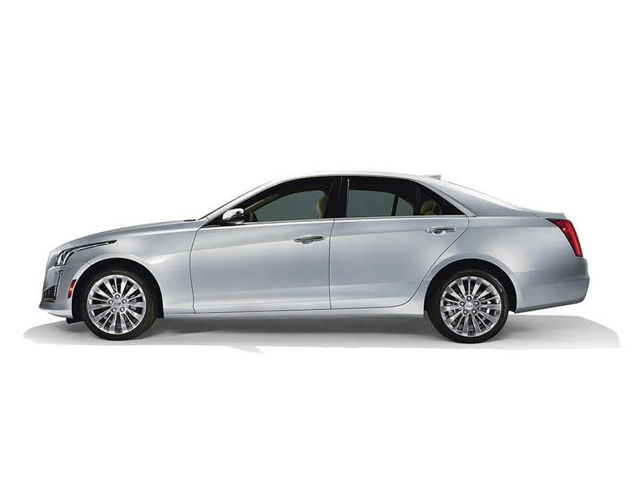 новый Cadillac CTS 2015 сбоку