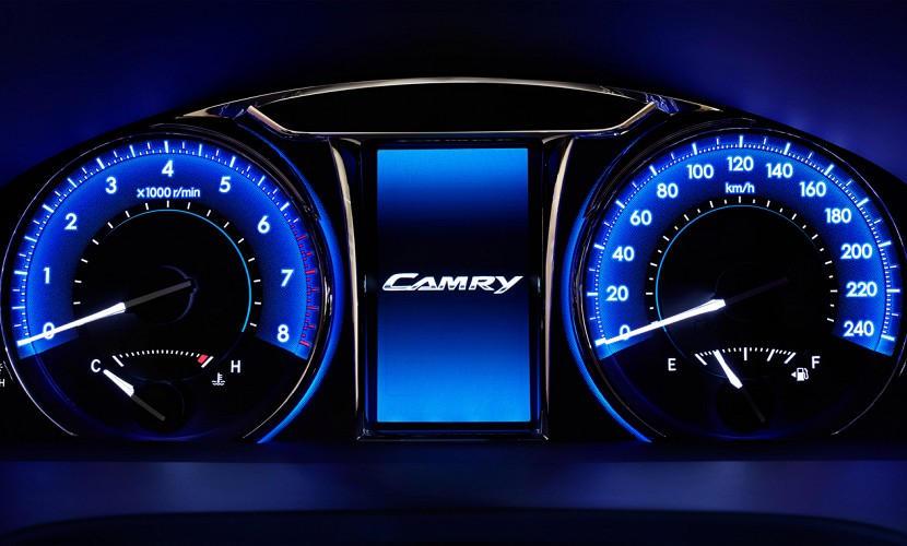 панель приборов Toyota Camry 2015