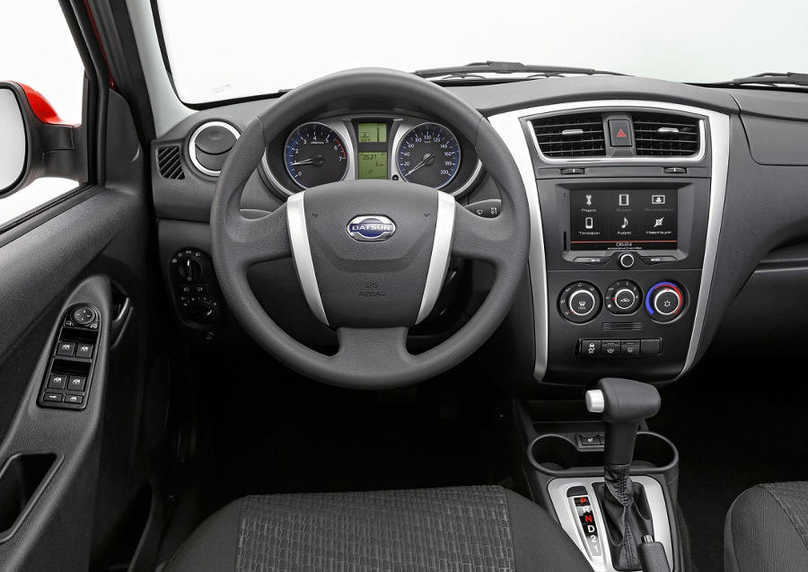 салон Datsun mi-DO 2015