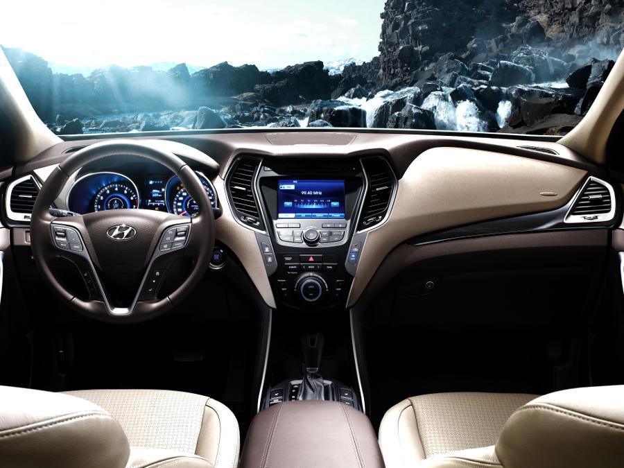 салон Hyundai Santa Fe 2015