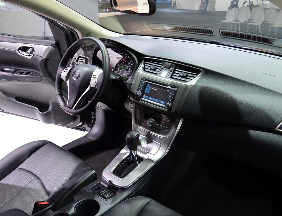 салон Nissan Sentra 2015