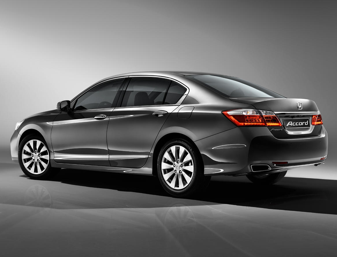 задняя часть Honda Accord 2015