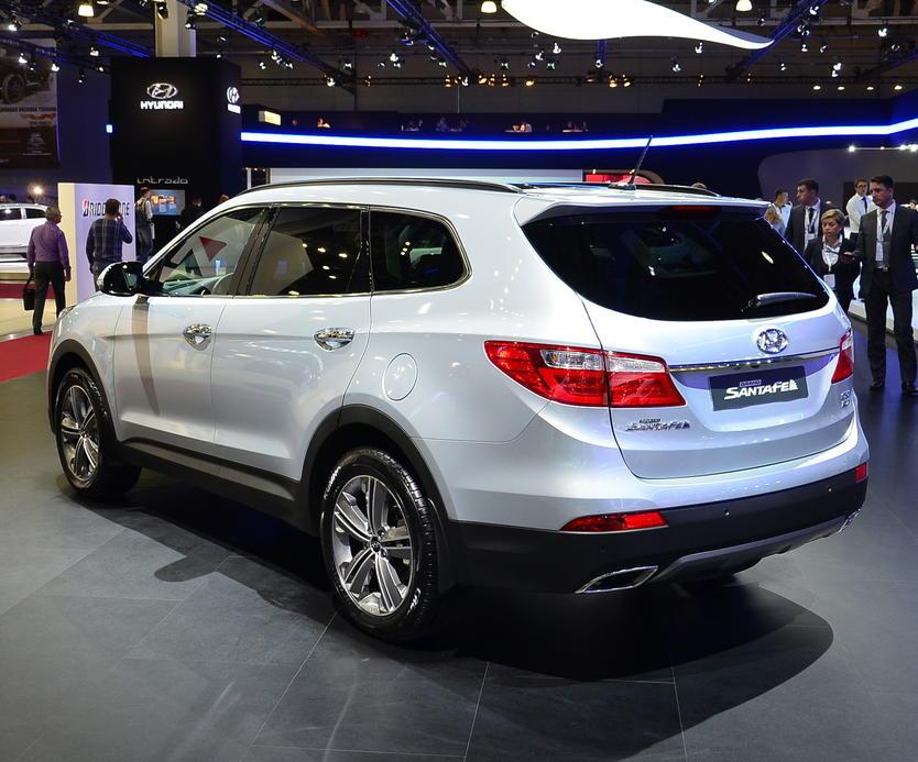 задняя часть Hyundai Santa Fe 2015