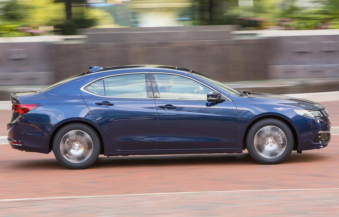 Acura TLX 2015 сбоку