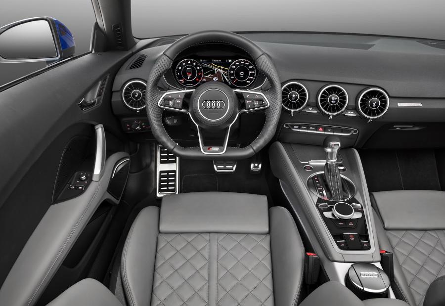 салон Audi TT Roadster 2015