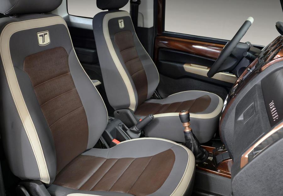 интерьер концепта Ford Troller T4 2014