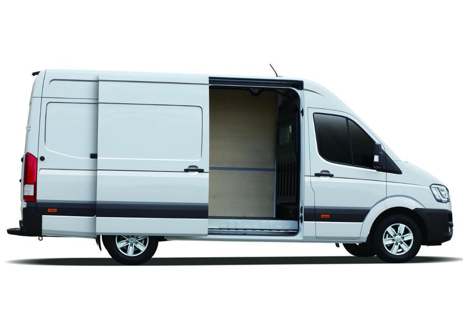 новый фургон Hyundai H350 сбоку