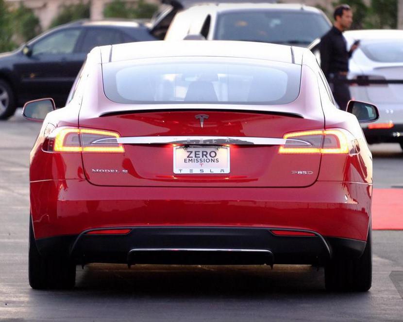новый полноприводный электромобиль