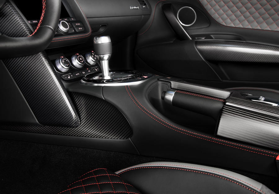 салон Audi R8 Competition 2015