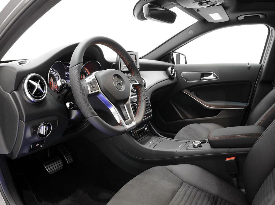 салон Mercedes GLA 2014 от Brabus