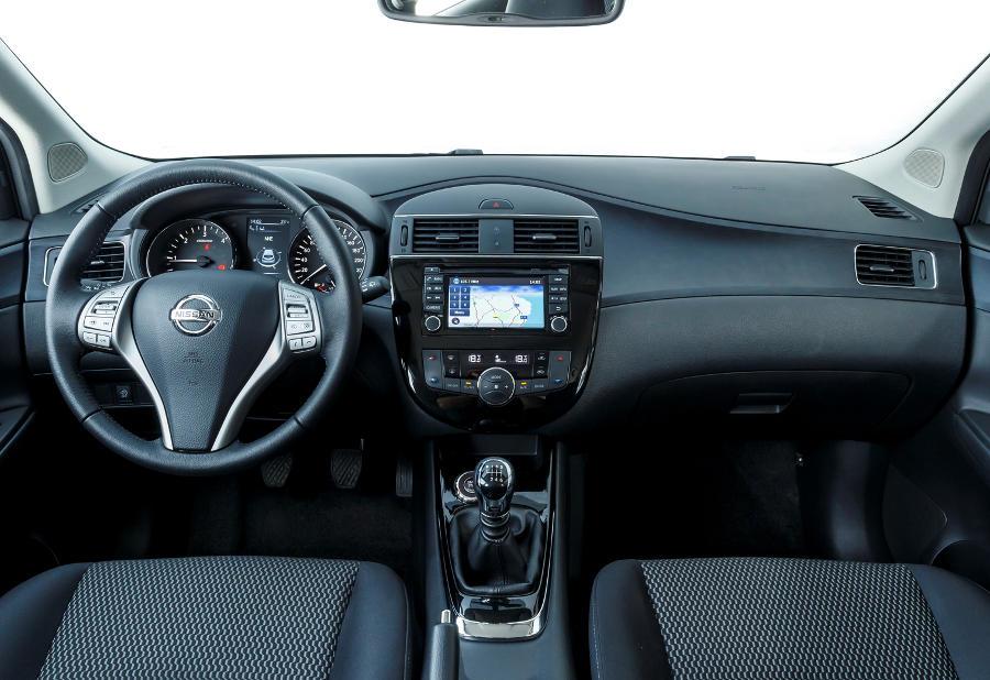 салон Nissan Pulsar 2015 года