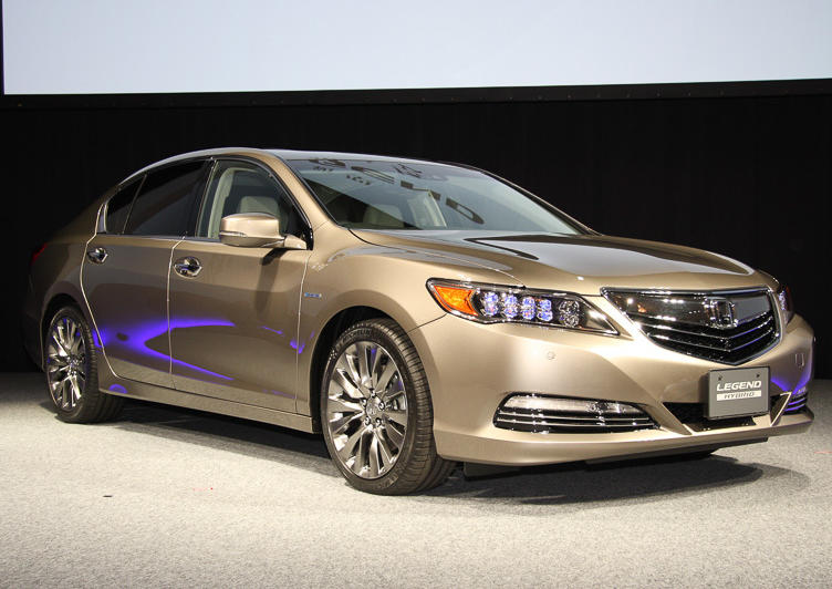 бампер и фары Honda Legend 2015