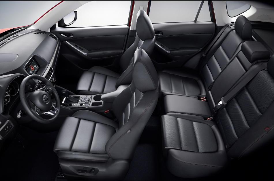 интерьер Mazda CX-5 2016 года