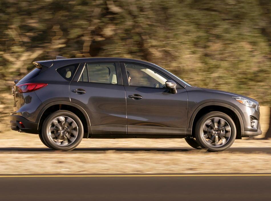 новый Mazda CX-5 2016 Рестайлинг сбоку