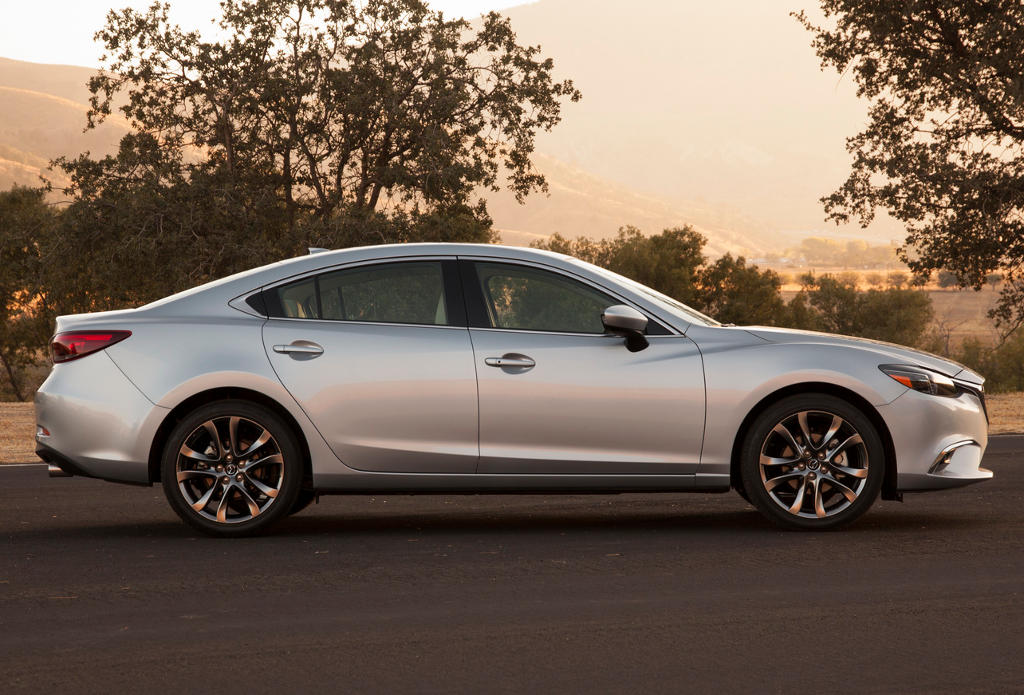 рестайлинг Mazda6 2015 сбоку