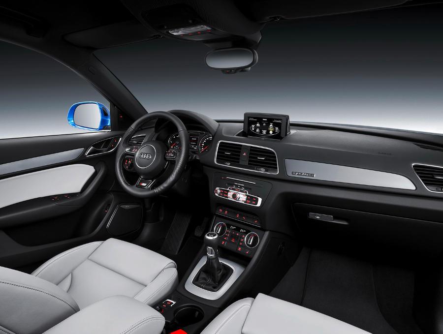 салон Audi Q3 2015