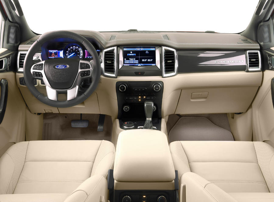 салон Ford Everest 2016