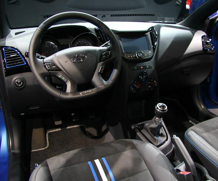 салон Hyundai HB20 R-Spec 2014