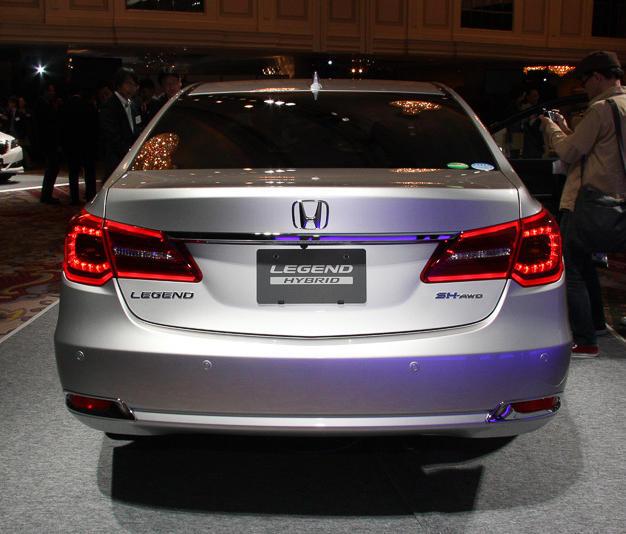 задние фонари Honda Legend 2015