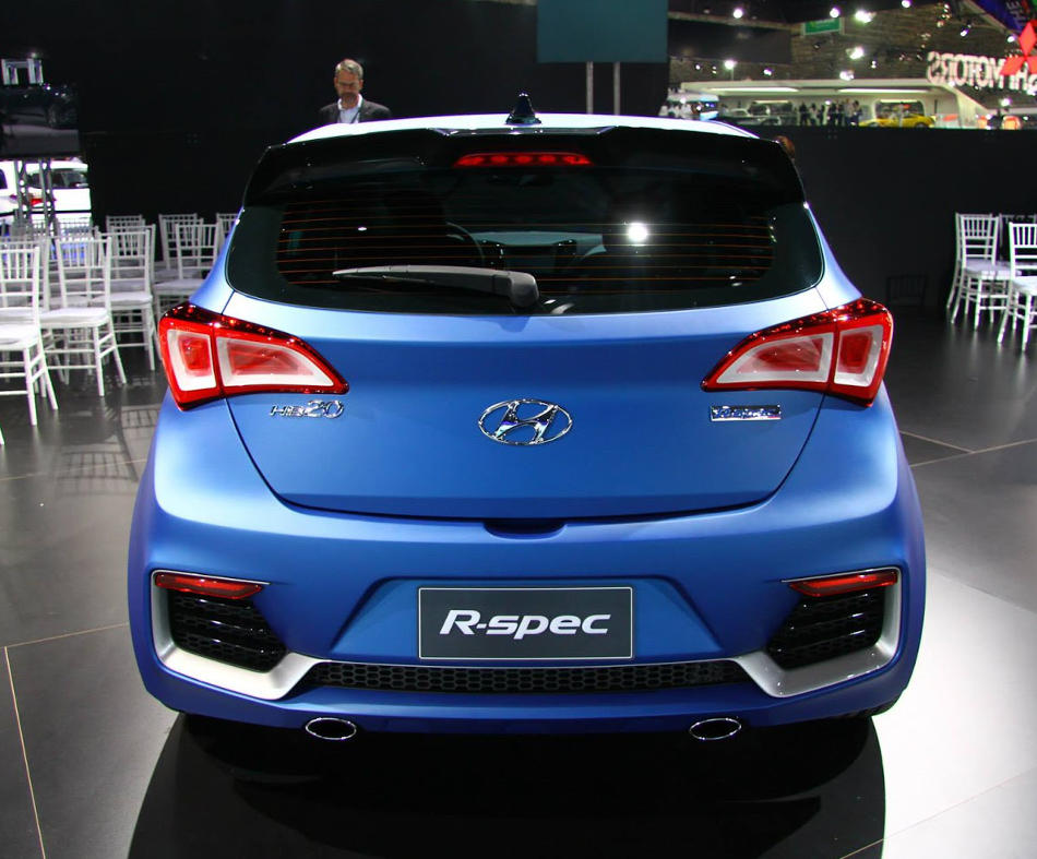 задние фонари Hyundai HB20 R-Spec 2014