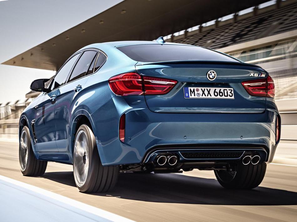 задняя часть BMW X6 M 2015