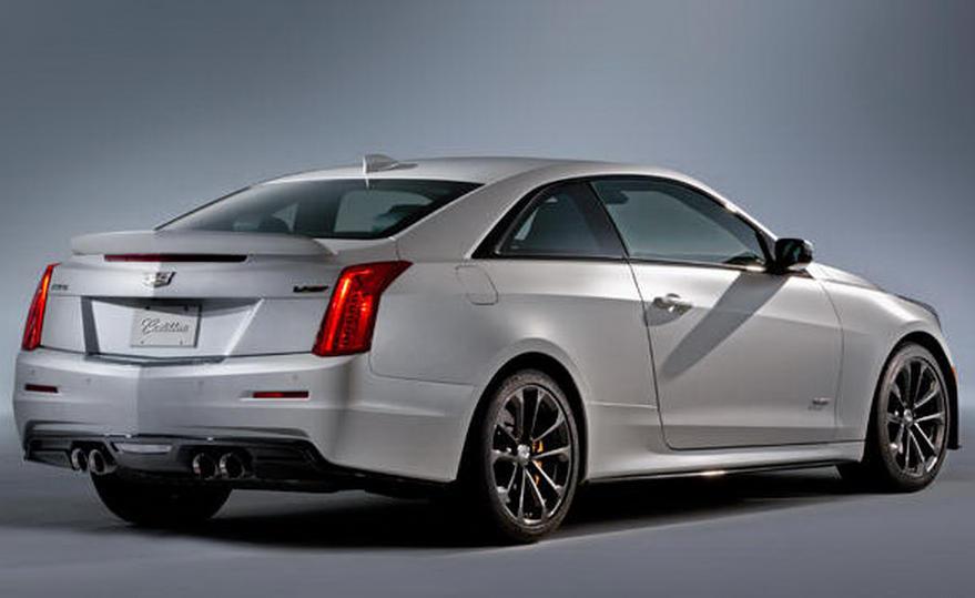 задняя часть Cadillac ATS-V 2016