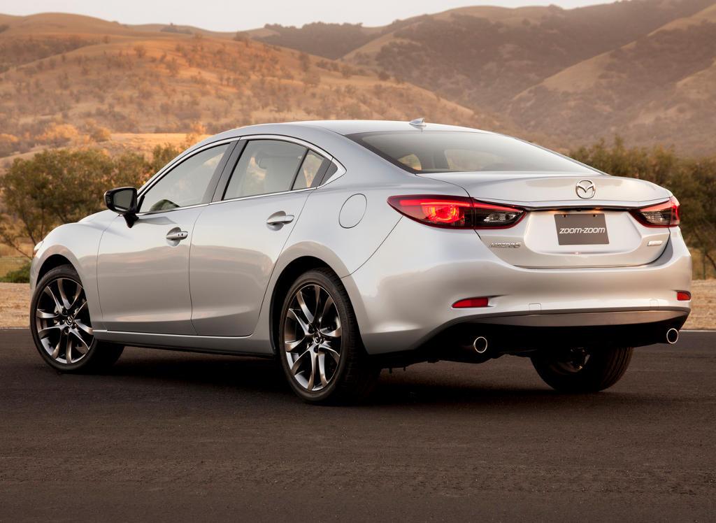 задняя часть Mazda 6 2015 - 2016