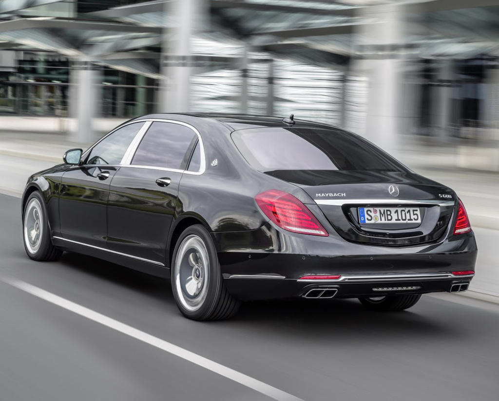 задняя часть Mercedes-Maybach S600 2016