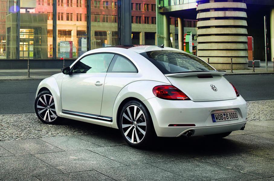 задняя часть Volkswagen Beetle 2015