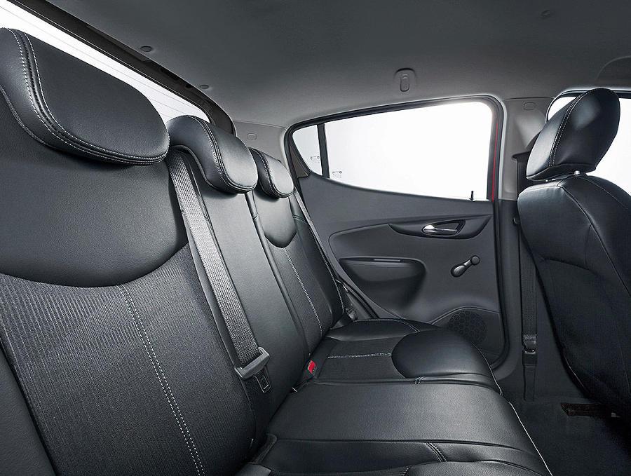 интерьер Opel Karl 2015