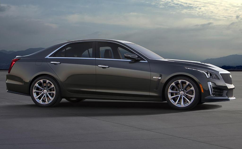 новый Cadillac CTS-V 2016 сбоку