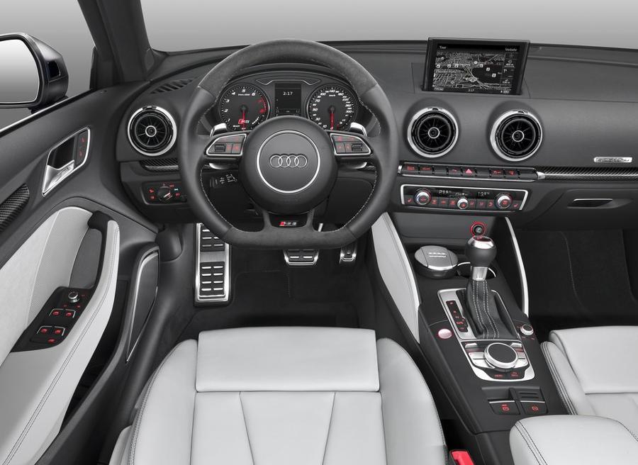 салон Audi RS3 Sportback 2016