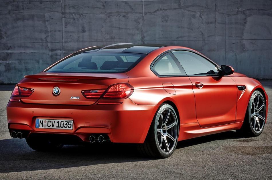 задняя часть купе BMW M6 Coupe 2015