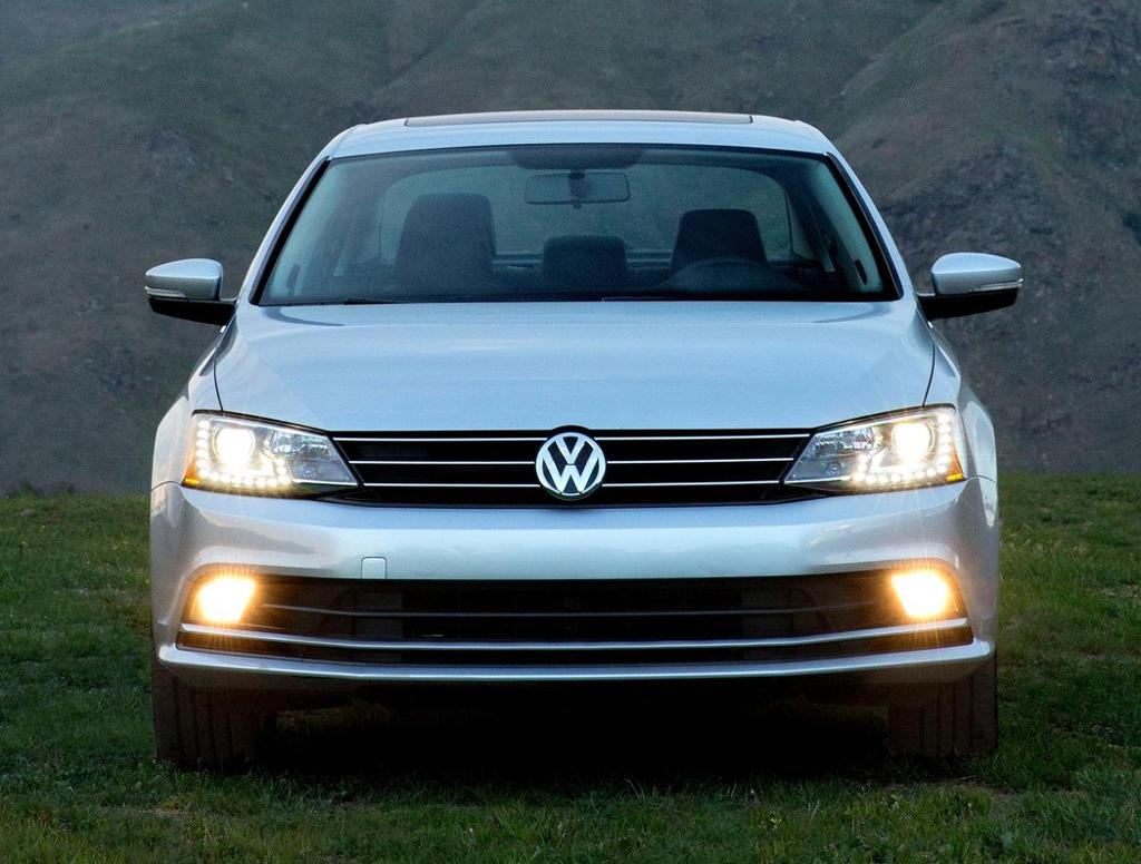 фото Volkswagen Jetta 2015 года