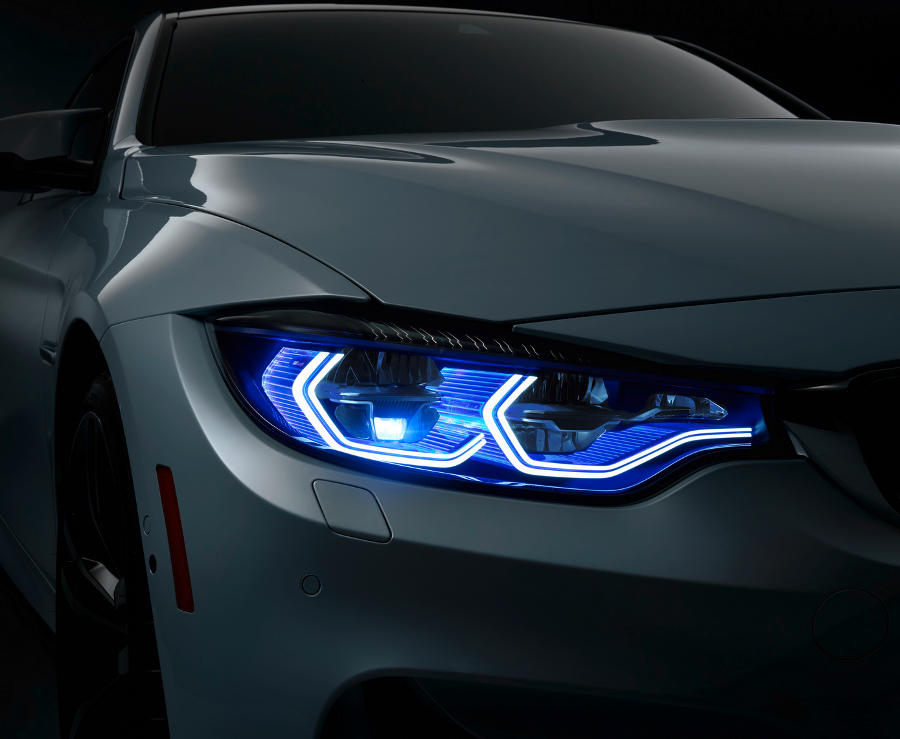 фото лазерных фар BMW M4 Iconic Lights 2015