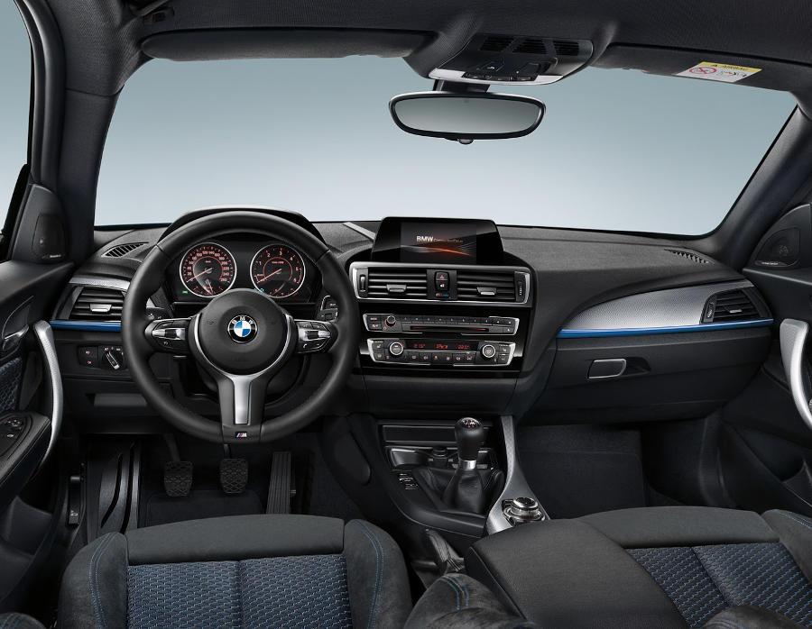 салон BMW 1-Series 2016