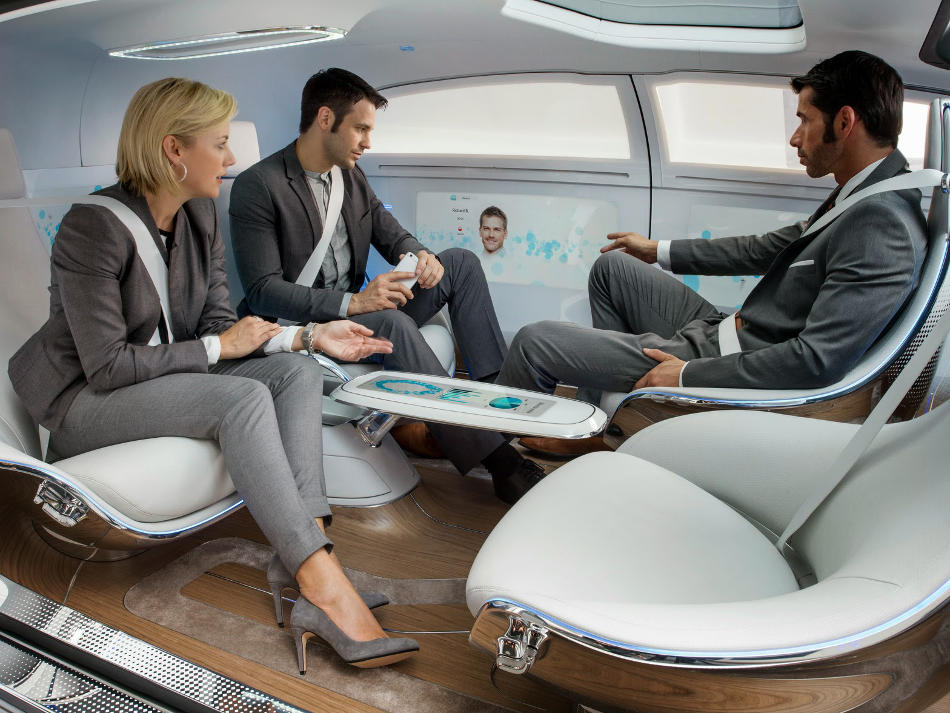 салон Mercedes F015 Luxury in Motion 2015