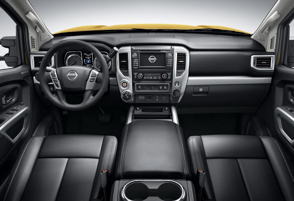 салон Nissan Titan XD 2016