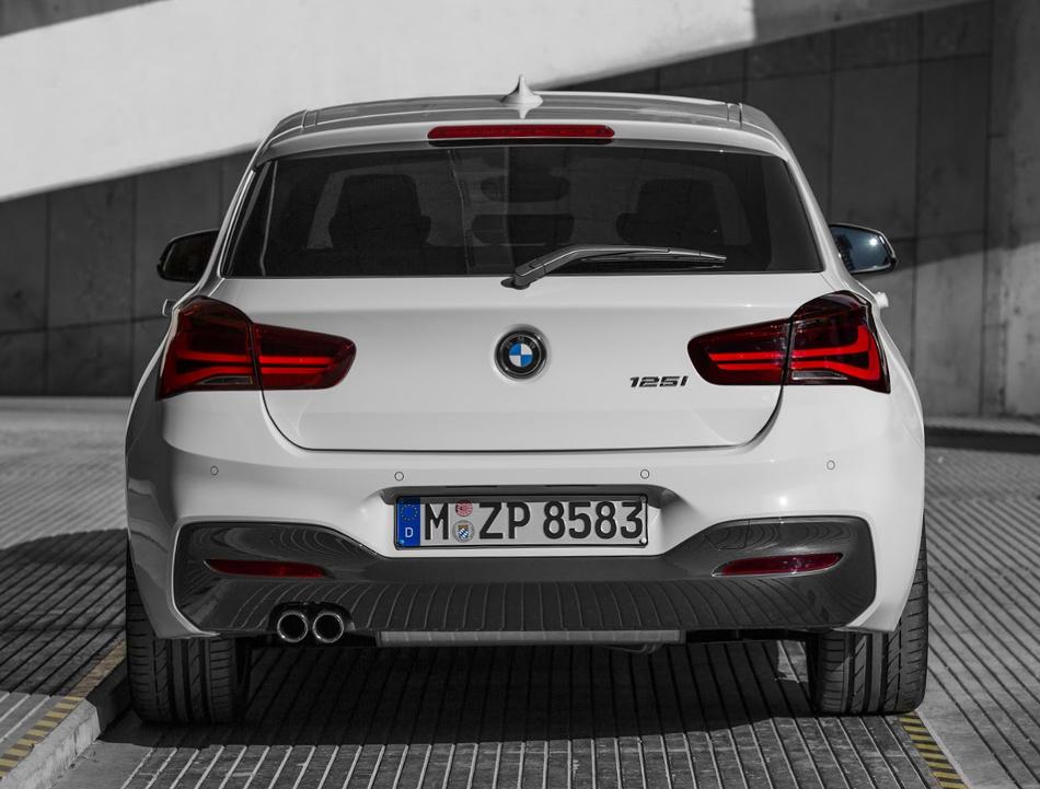 задние фонари нового BMW 1-Series 2016